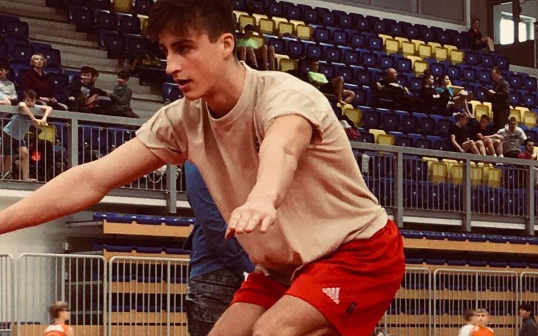 Beno Kunst, dijak ETrŠ Brežice,  državni prvak v skokih z male prožne ponjave